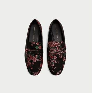 Zara Floral Print Loafers Size 6